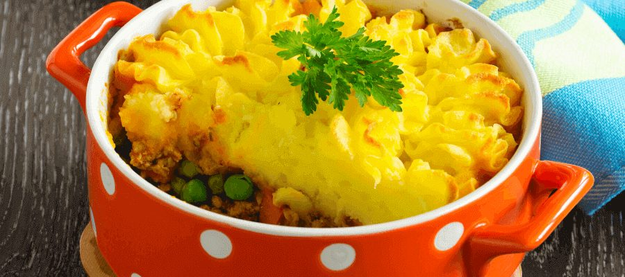 shepherd's pie in red cooker